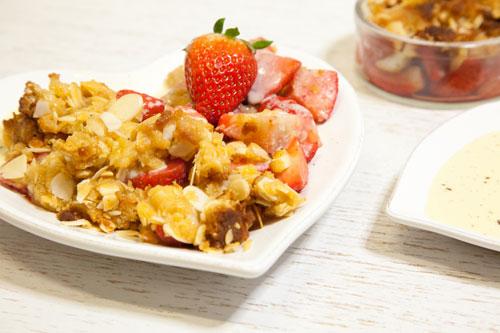 Erdbeer-Mandel-Crumble-Low-Carb-Rezept-innen